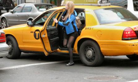 Как поймать такси в Нью_Йорке.