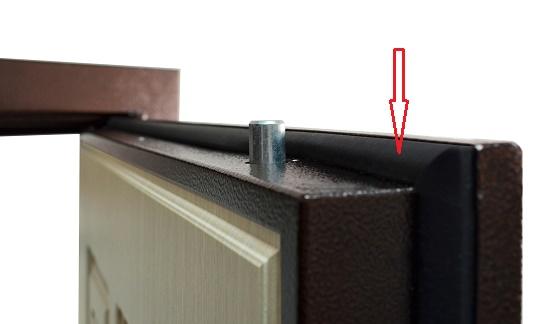 Магнитный уплотнитель для входной двери: особенности изделия